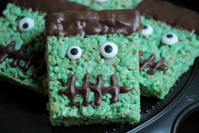10 Quick And Easy Halloween Treats That Ll Definitely Be A Hit