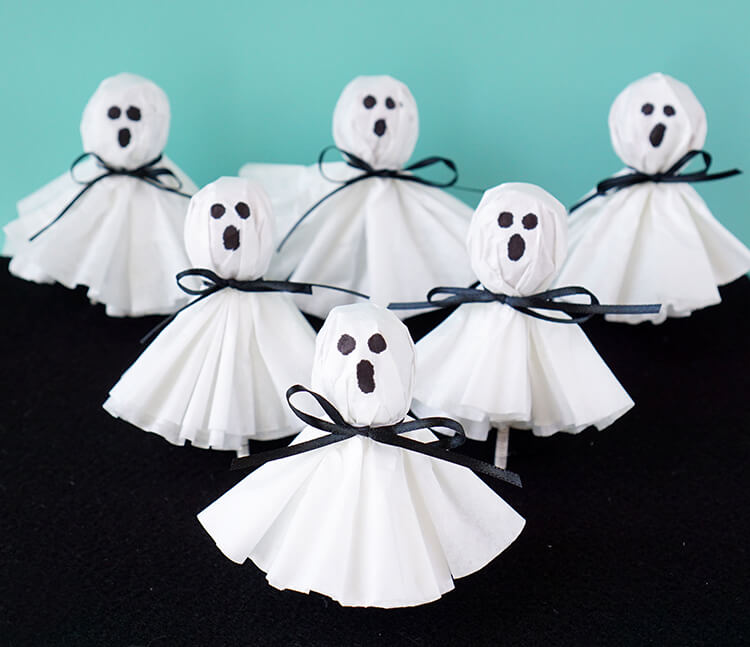Ghostly Lollipops For Halloween