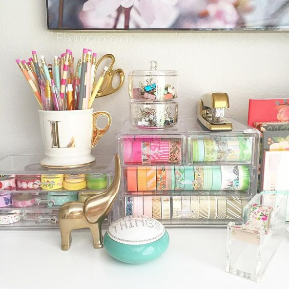 Clear Containers Desk Organization Ideas