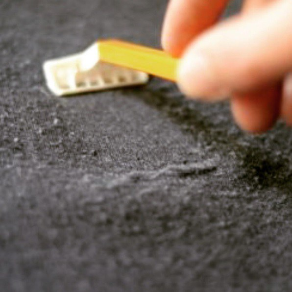 Remove Pilling from Clothes with a razor