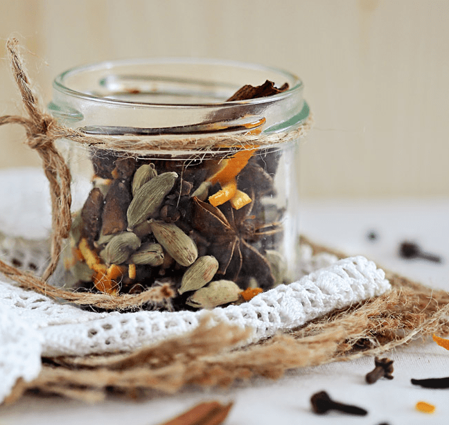 Homemade Mulling Spice in a Jar