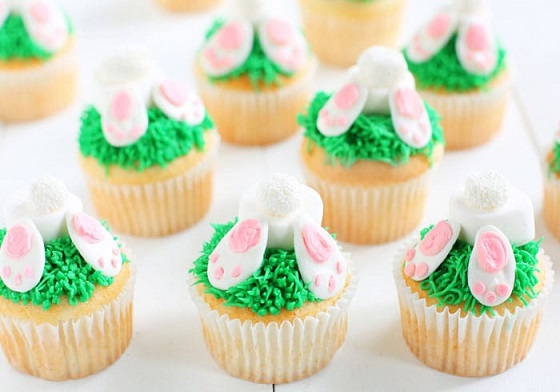 Easy Easter Desserts Recipes: Bunny Butt Cupcakes