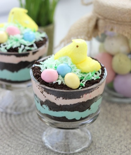 Easy Easter Desserts Recipes: Easter Peeps Dirt Pudding Cups