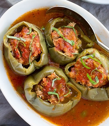 Paleo Recipes For Beginners: Slow Cooker Stuffed Peppers