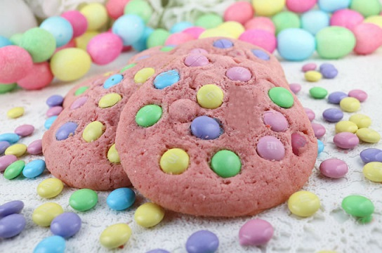 Easy Easter Desserts Recipes: Springtime Pink M&M Cookies