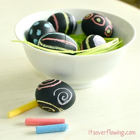 DIY Easter Egg Decorating Ideas: Chalkboard Paint Easter Eggs