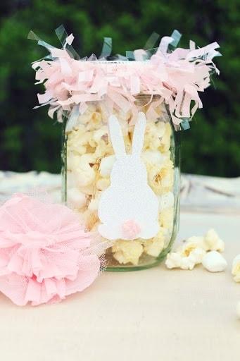 Easter Mason Jar Ideas: DIY Bunny Munch Mason Jars
