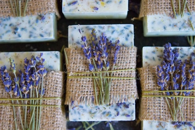 Homemade Soap Recipes: Lavender Honey Lemon Soap