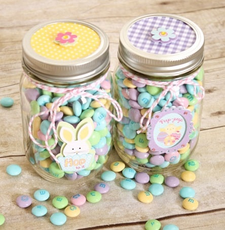 25 diy easter mason jar ideas that everyone will love easter mason jar ideas mason jar easter treat gifts negle Gallery
