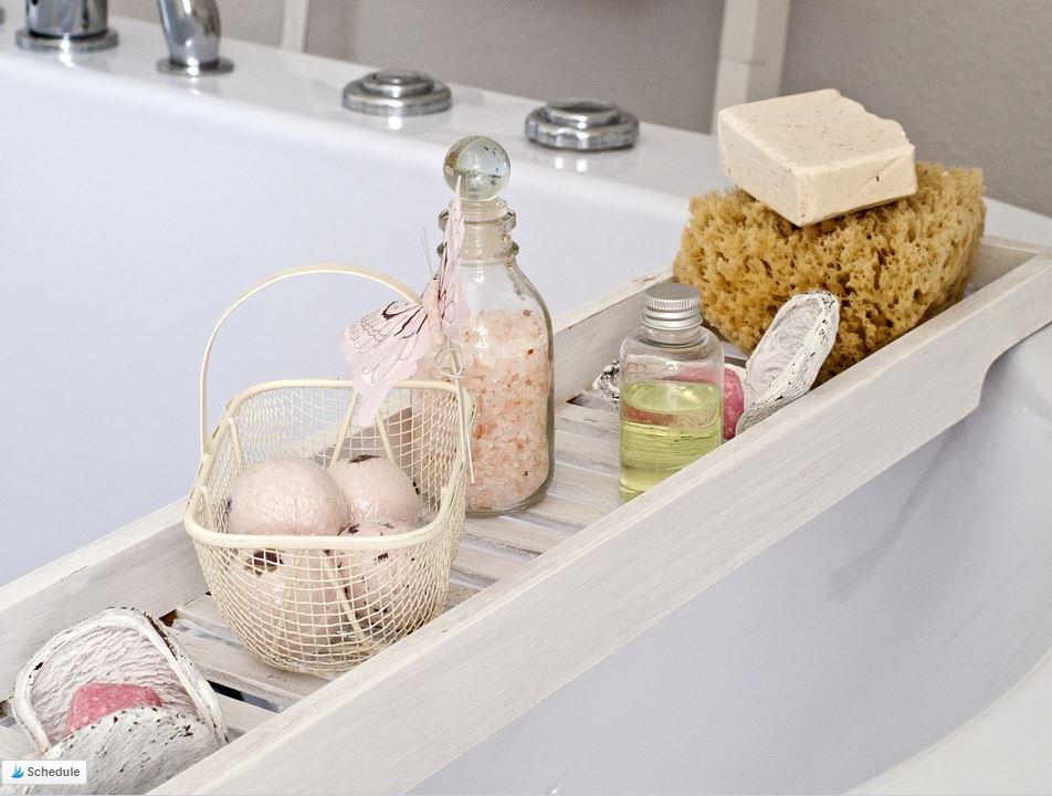 Bathroom organization & decluttering: Bath items