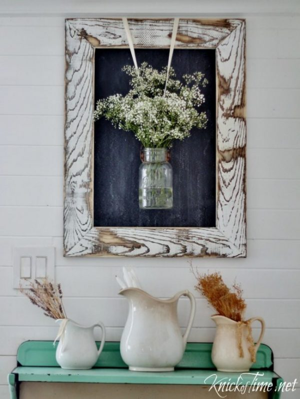 Easy DIY Farmhouse Decor: Distressed Wooden Frame