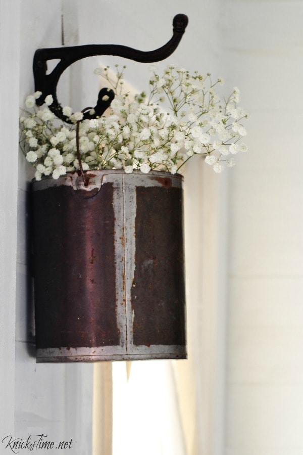 Easy DIY Farmhouse Decor: Paint Can Flower Holder