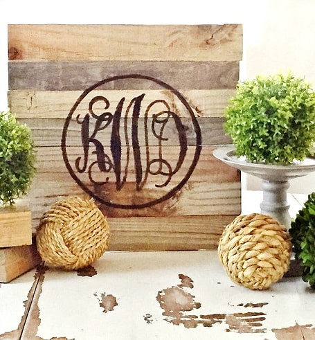 Easy DIY Farmhouse Decor: Reclaimed Wood Monogram