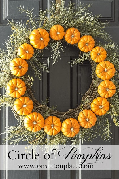DIY Fall Wreath: Circle Pumpkin Wreath