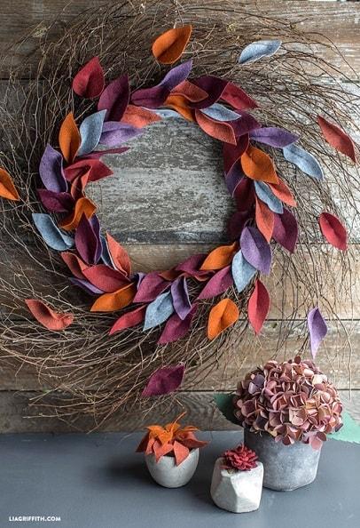 DIY Fall Wreath: Felt Leaf Wreath
