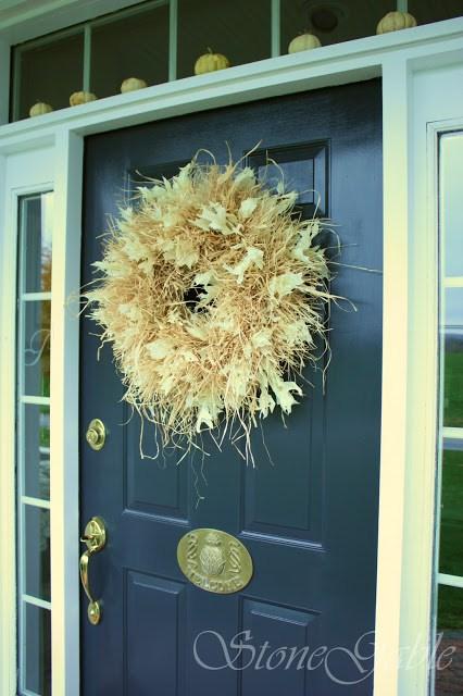 DIY Fall Wreath: Raffia Wreath