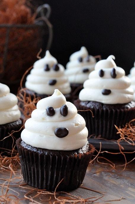halloween cupcake decorating ideas halloween ghost cupcakes