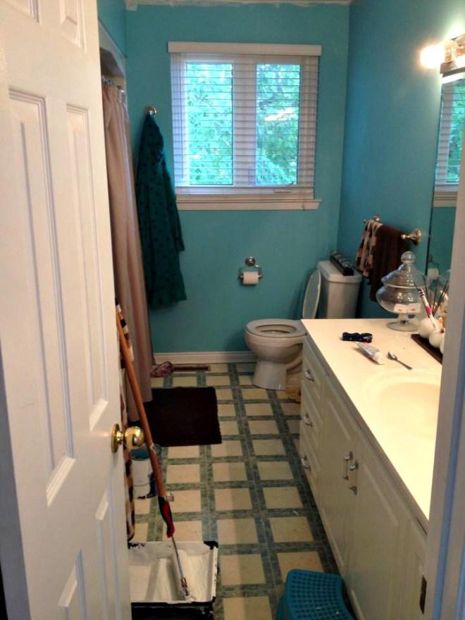 Bathroom remodel ideas: Kids Bathroom Remodel before