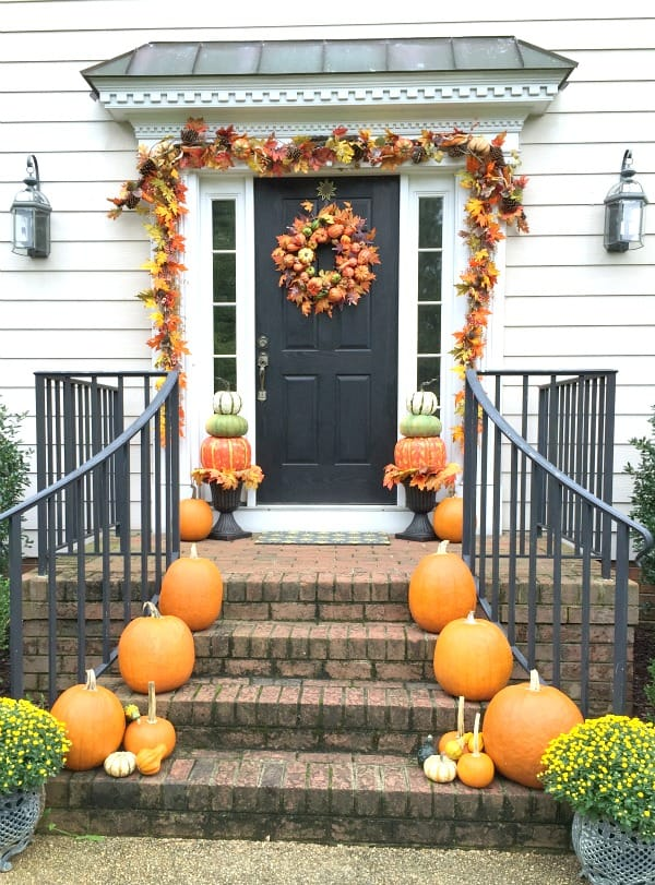 DIY Fall Porch Decorating Ideas: Pumpkin and Leaf Porch Decorating