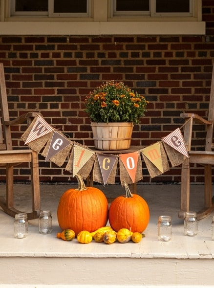 DIY Fall Porch Decorating Ideas: Welcome Banner