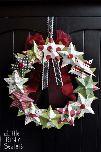 DIY Christmas Wreaths: 3D Paper Star Wreath