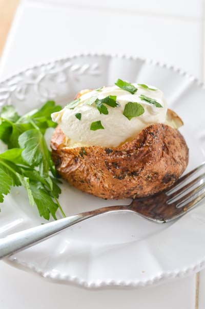 Healthy Air Fryer Recipes: Air Fryer Baked Potato