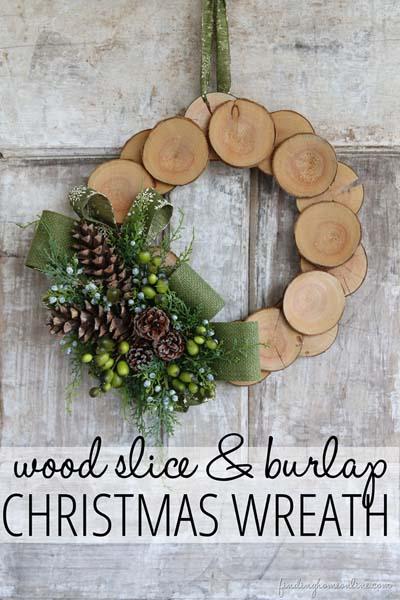 DIY Christmas Wreaths: Wood Slice & Burlap Christmas Wreath