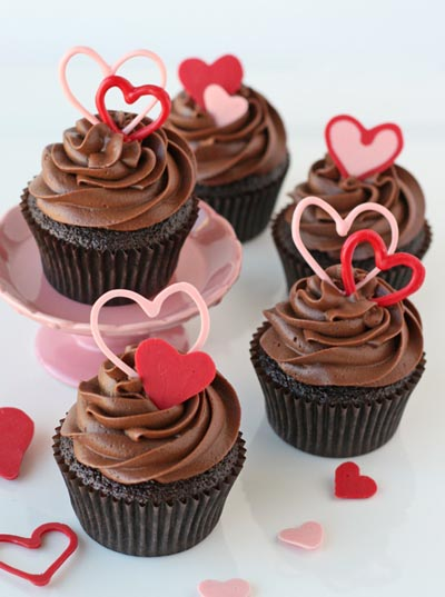 Valentines Day Cupcakes and Valentines Desserts: Chocolate Valentines Heart Cupcakes
