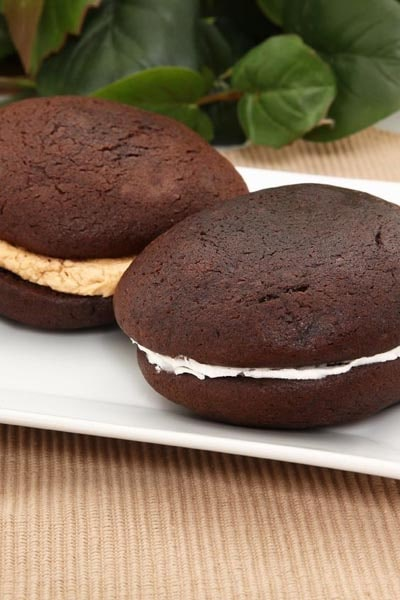 Weight watchers desserts: Chocolate Whoopie Pies with Marshmallow Cream