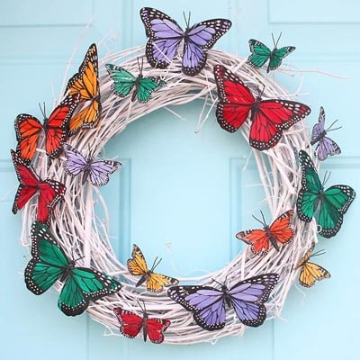DIY Easter Wreaths: DIY Butterfly Wreath