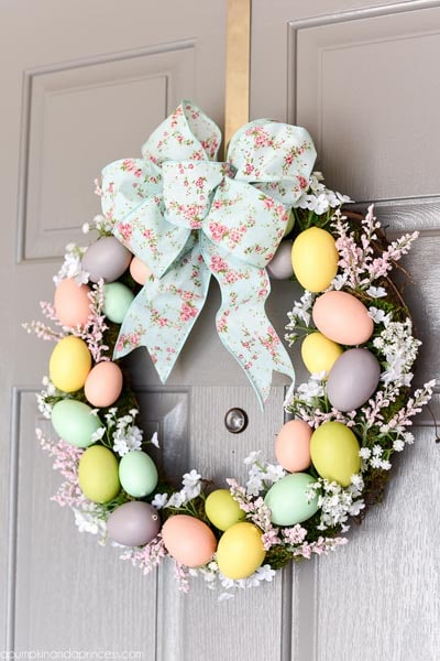 DIY Easter Wreaths: DIY Easter Egg Wreath