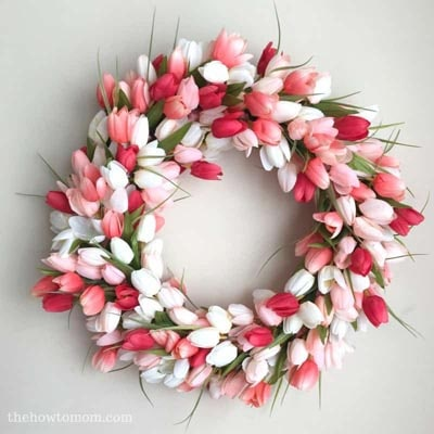 DIY Easter Wreaths: DIY Tulip Wreath