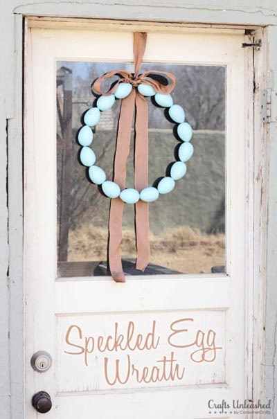DIY Easter Wreaths: Speckled Egg Wreath