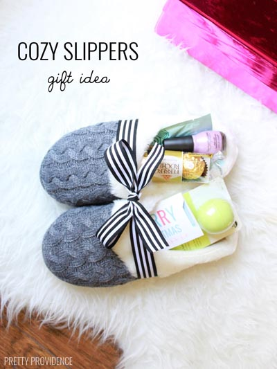 Handmade DIY Gifts For Mom: Cozy Slippers Gift Idea