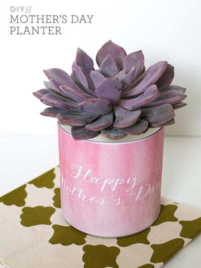 Handmade DIY Gifts For Mom: Simple DIY Mother's Day Planter Gift