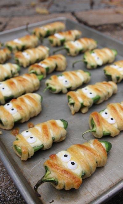 Halloween Party Appetizers: Halloween Jalapeño Popper Mummies