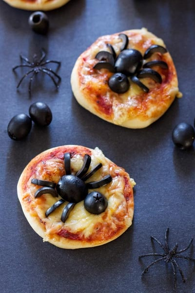 Halloween Party Appetizers: Mini Spider Pizzas
